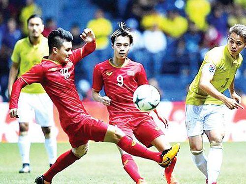 Vòng loại World Cup, AFF Cup, sao phải chọn một?