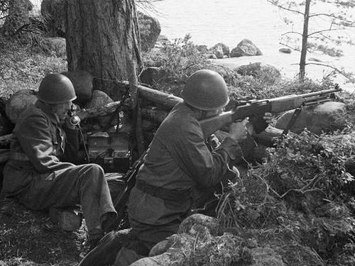 Quân Thụy Điển giúp Đức đánh Liên Xô trong Thế chiến 2 như thế nào?