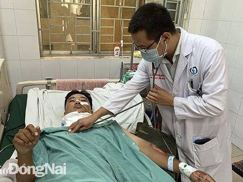 Cứu sống một bệnh nhân bị bò húc vỡ thanh quản, rách động mạch cảnh
