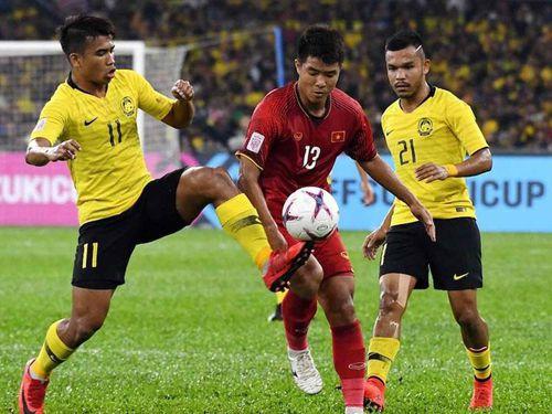 Bất chấp phản ứng của người hâm mộ, Malaysia nhập tịch cầu thủ thứ 6