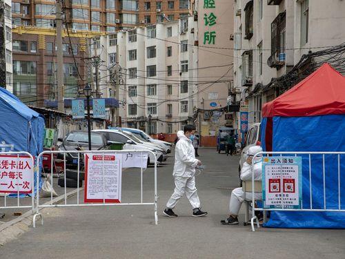 Chuyên gia dịch tễ hàng đầu Chung Nam Sơn: Trung Quốc đã bước vào giai đoạn 2 của dịch bệnh, chưa phải lúc tháo khẩu trang!