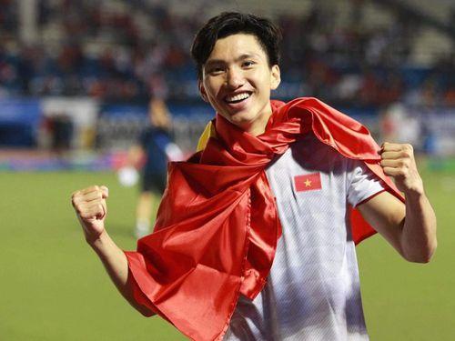 Đoàn Văn Hậu cán cột mốc chưa từng có trong lịch sử bóng đá Việt Nam