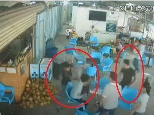 Mâu thuẫn khi mua cơm, chủ quán cà phê bị đánh dã man ở TP HCM