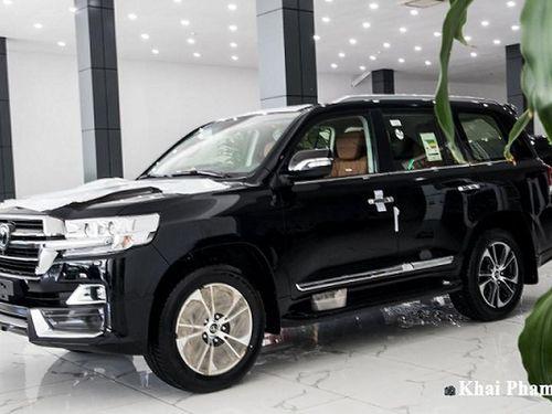 'Đập thùng' Toyota Land Cruiser nhập Trung Đông hơn 9 tỷ ở Hà Nội