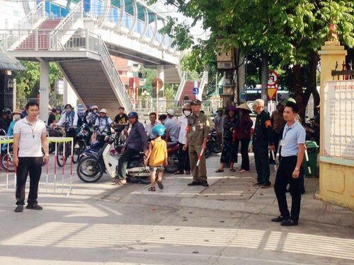 CCB TP Uông Bí: Tham gia gìn giữ trật tự giao thông