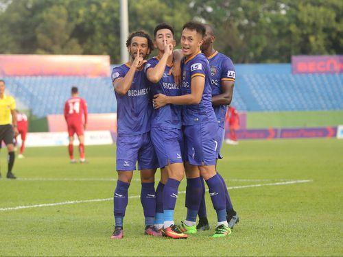 Vòng 4 V-League 2020: B.Bình Dương và SHB Đà Nẵng mở hội, Viettel hòa phút cuối