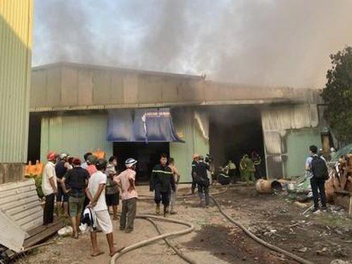 Cận cảnh 6 nghìn quạt hơi nước bị thiêu rụi trong vụ hỏa hoạn ở Đà Nẵng