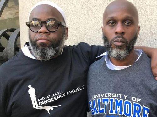Hai anh em nhận bồi thường 3,8 triệu USD vì 24 năm tù oan ở Mỹ