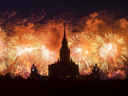 Nga bắn pháo hoa hoành tráng nhân dịp kỷ niệm Ngày Chiến thắng