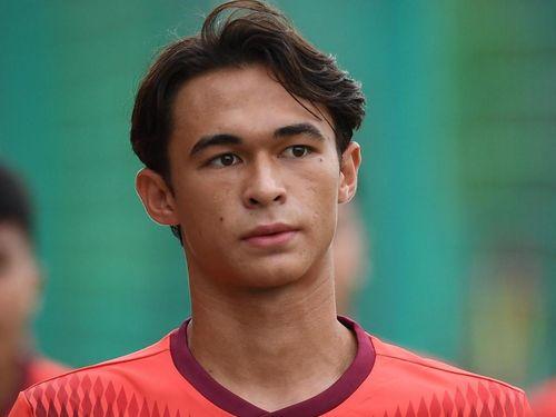 Cầu thủ gốc Pháp Tiêu Ê Xal: 'Tôi không phải Việt kiều'
