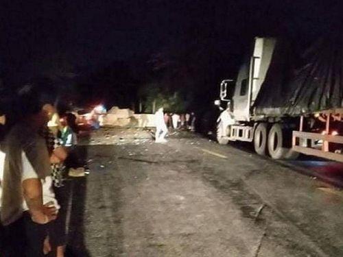 Nhảy khỏi xe container mất lái, tài xế va vào đá tử vong