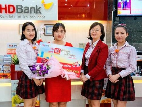 64 khách hàng nhận giải từ chương trình 'Tải App HDBank – Rinh Vespa sành điệu'