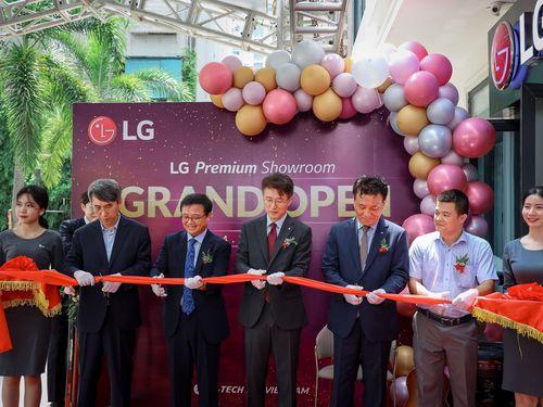 LG khai trương LG Premium Showroom - Nơi trải nghiệm thiết bị điện tử cao cấp