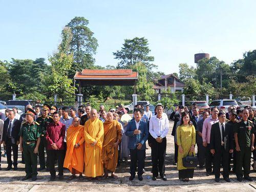 Kỷ niệm 73 năm Ngày Thương binh - Liệt sĩ tại Lào