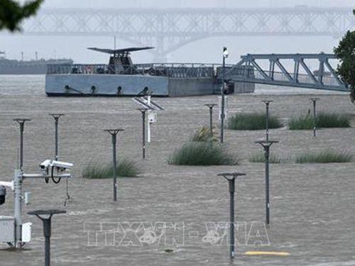 Mực nước tại nhiều sông, hồ của Trung Quốc vẫn trên mức báo động