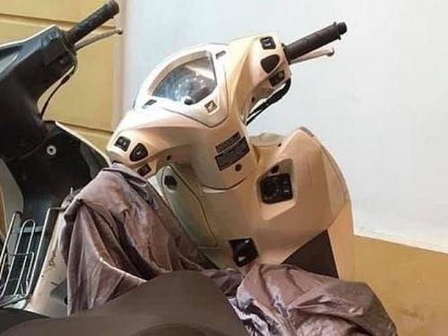 Nhân viên bảo vệ đầu thú sau khi trộm xe máy