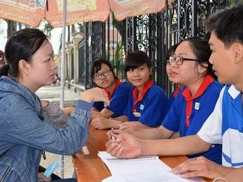 Tốt nghiệp đại học loại xuất sắc có thể được xét tuyển vào công chức