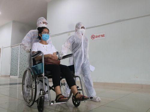 Bệnh viện dã chiến Tiên Sơn diễn tập tiếp nhận bệnh nhân với số lượng lớn