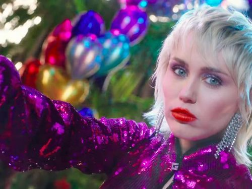 Trở lại hoành tráng với Midnight Sky nhưng Miley Cyrus không có ý định ra album mới: 'Điều đó hoàn toàn vô nghĩa với tôi'