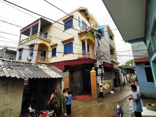 Hà Nội: Nhiều 'nhà giàu' bất ngờ có tên trong danh sách hộ cận nghèo để nhận tiền hỗ trợ Covid-19