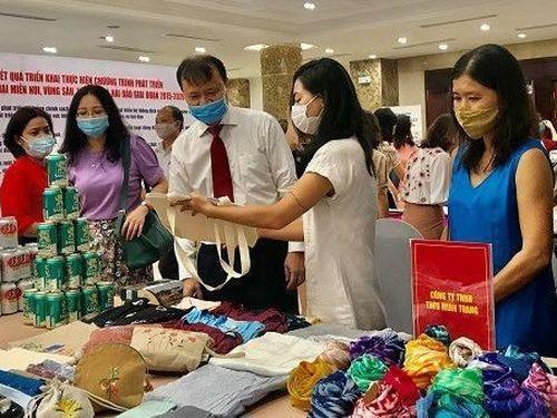 Người Việt dùng hàng Việt: Tạo chỗ đứng cho hàng Việt trên thị trường