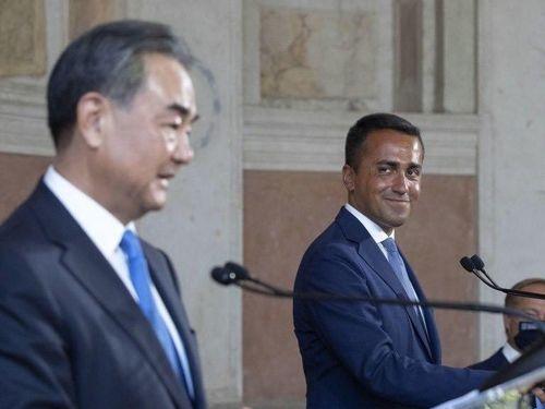 5G và Hong Kong 'ám' Ngoại trưởng Trung Quốc suốt chuyến thăm châu Âu