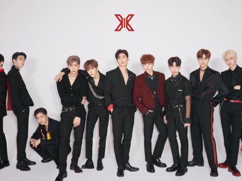 10 thành viên của X1 tái hợp nhân dịp kỷ niệm 1 năm debut