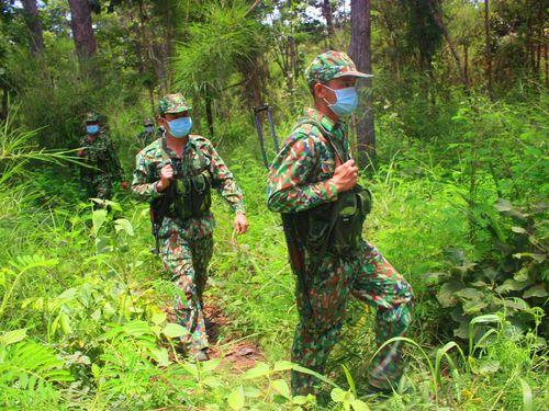 Xã có 46,7 km đường biên giới giáp Campuchia ngăn dịch ra sao ?