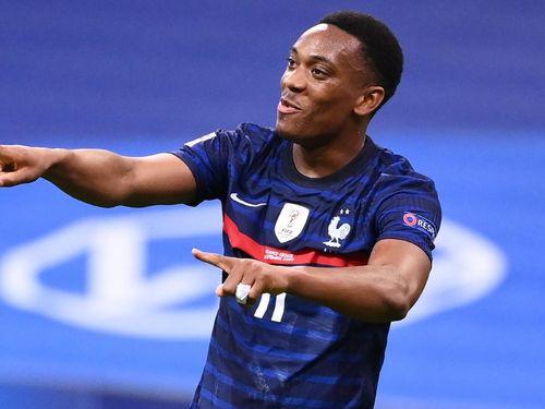 Deschamps: 'Martial đang đi đúng hướng'