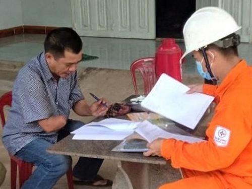 Kiểm tra đường dây sau công tơ của khách hàng không đảm bảo an toàn điện
