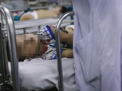 Nhiều trẻ cấp cứu nghi ngộ độc thực phẩm tại chùa Kỳ Quang 2