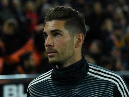 Con trai Zidane lâm cảnh thất nghiệp