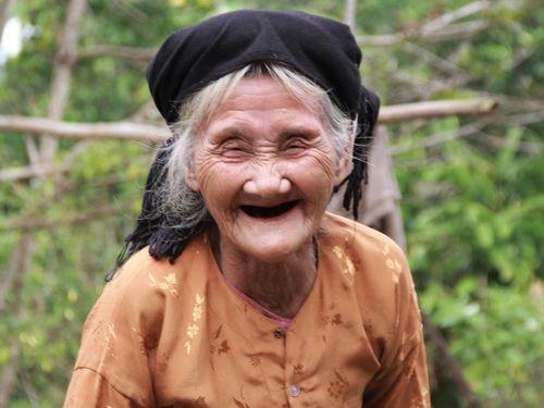 Tấm lòng nhân hậu của cụ bà 83 tuổi
