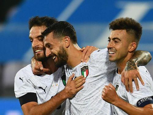 Italy và Pháp đua nhau thắng hủy diệt, Đức tiếp tục gây thất vọng
