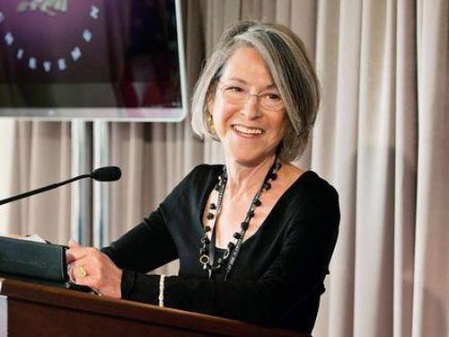 Nữ thi sĩ người Mỹ Louise Gluck giành giải Nobel Văn học 2020