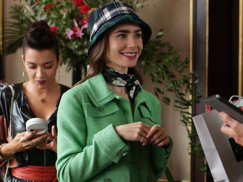 Học phong cách Pháp như Lily Collins trong 'Emily in Paris' đang sốt trên Netflix