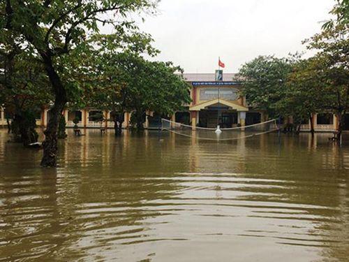 Thừa Thiên Huế: Học sinh, sinh viên được nghỉ học 2 ngày do mưa lũ