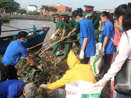 Ra quân chiến dịch 'Hãy làm sạch biển'