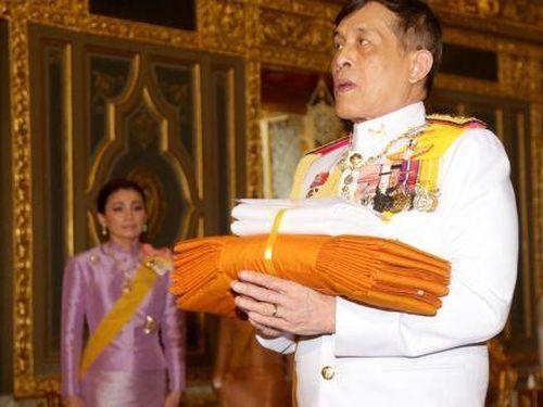 Nỗi khó xử ngoại giao của Đức với Vua Thái Lan