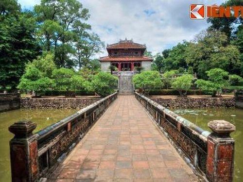 Chuyện ít biết về cách vua nhà Nguyễn đối đầu với 'thần nước'