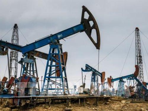 Giá dầu châu Á đi xuống do dư cung phiên 21/10