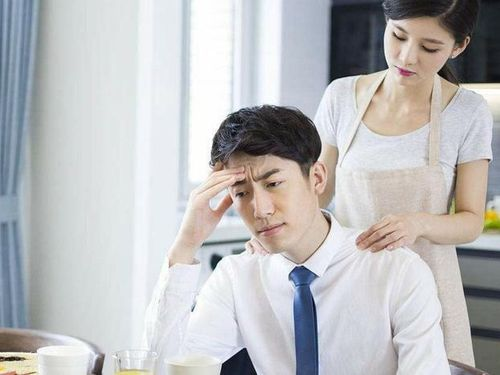Thày bói phán phải 'trả nợ tình kiếp trước', vợ răm rắp nghe lời đi... cặp bồ