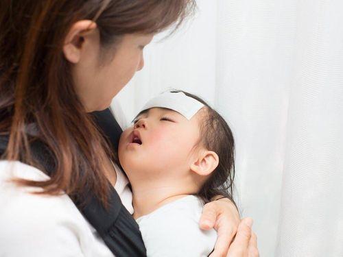 Điều trị và chăm sóc trẻ sốt rét
