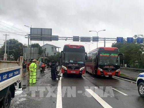 Bão số 9: Thừa Thiên - Huế hỗ trợ các tài xế, hành khách tránh trú bão