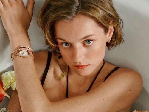 Người đẹp 25 tuổi đóng vai Công nương Diana