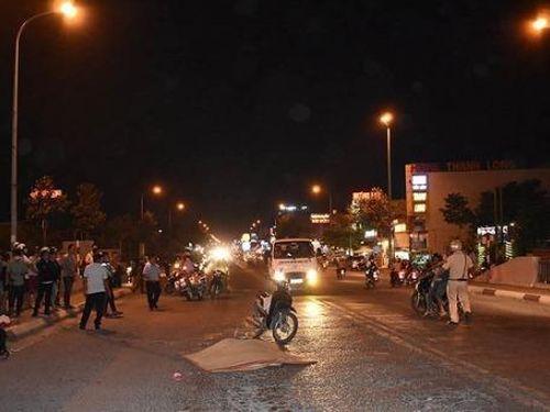 Tin giao thông đến sáng 7/11: Liên tiếp va chạm ô tô chở hàng, 4 người tử vong, 2 người bị thương