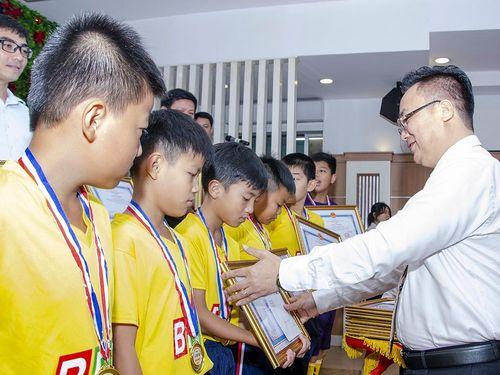 TP. Vũng Tàu biểu dương Đội U11, U13 đạt thành tích cao tại Giải Bóng đá tranh Cúp BRT năm 2020