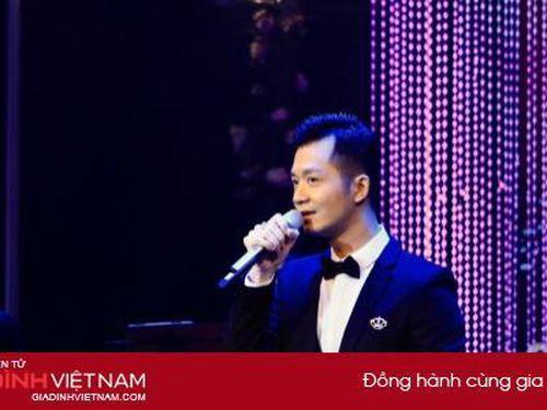 Ca sĩ Phạm Quốc Huy chiếm trọn cảm xúc của khán giả trong đêm nhạc 'Thu hát cho người'