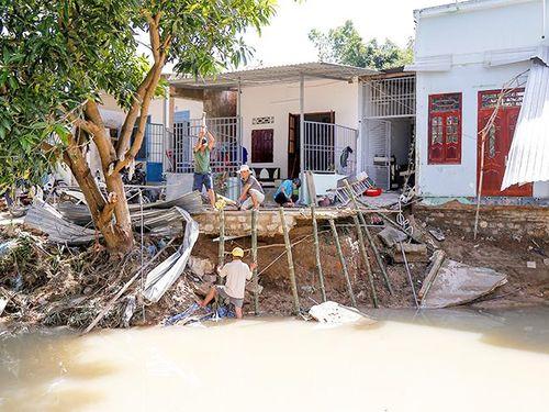 Cảnh báo sạt lở đất và ngập úng tại Nha Trang