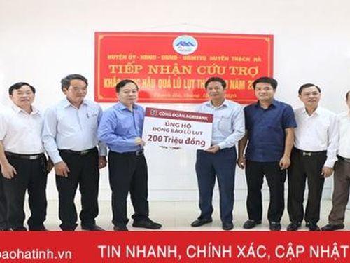 Công đoàn Agribank tiếp tục hỗ trợ đồng bào bị ảnh hưởng lũ lụt ở Hà Tĩnh